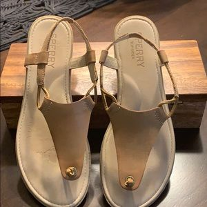 Sorry Top-sifters light Tan sandal size 8